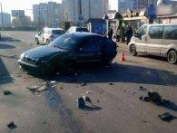 У Луцьку – аварія за участю трьох автомобілів, є потерпілі (фото)