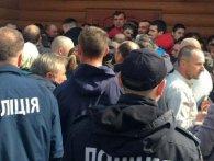 На Рівненщині побилися прихожани УПЦ МП і ПЦУ (відео)