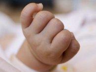 На Одещині горе-матір викинула новонародженого у туалет (відео)