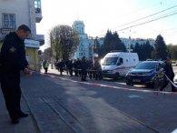 На Дніпропетровщині серед білого дня  обстріляли активістів (відео)