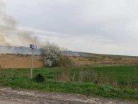 Паліїв не спинити: під Луцьком знову горить поле (фото)