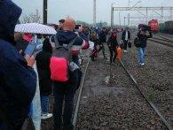 Митники через підозрілу сумку евакуювали 500 осіб з поїзда Київ-Перемишль (фото)