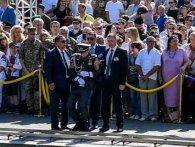 Як люди непритомніли від промов Порошенко: шість солдатів за п'ять років (відео)