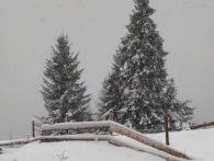 На Івано-Франківщині випало до десяти сантиметрів снігу