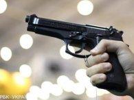 Стрілянина у тютюновій крамниці: невідомий захопив заручників