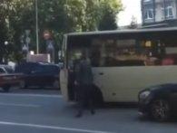 «Гангстер із Печерська»: у Києві мажор із пістолетом побив водія маршрутки