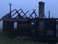 У згорілому будинку на Львівщині виявили тіло повішеного чоловіка