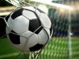 Герой інтернету: футболіст забив гол сідницями (відео)