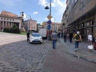 У центрі Львова жінці на голову впав камінь (фото)