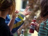 У Рожищі п'яну дівчинку-підлітка «відкачували» медики