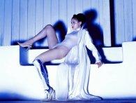 «Біонічна танцівниця»: дівчина-ампутант стала зіркою кабаре (фото 18+)