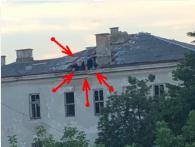 «Юні екстремали»: у Луцьку діти влаштовують ігри на даху закинутого госпіталю (фото)