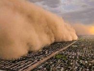 «Стіна пилу» накрила місто в Техасі (відео)