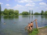«Лізти у воду рано»: Стир визнали «не зовсім придатним» для купання