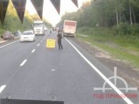 Аварія із постраждалим під Луцьком: вантажівка зім'яла 2 легковики (фото, відео)