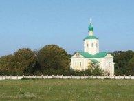 Монастир УПЦ МП зливає нечистоти біля меморіалу загиблим на Донбасі воїнам (відео)