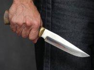 В Києві неадекват напав із ножем на медиків