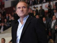 Інфопростір «лягає» під Медведчука: кум Путіна купує ще два телеканали