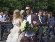 «Готи-панки, дами і денді»: у Рівному пройшов Парад випускників-2019 (фото)
