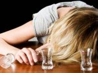 У Рівному мати зі смертельною дозою алкоголю залишила на вулиці 9-місячну дитину (відео)