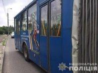 У Тернополі тролейбус переїхав жінку:вона померла в лікарні (відео)