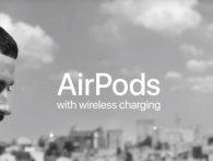 Рекламу навушників AirPods зняли у Києві (відео)