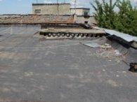 За крок від смерті: з даху луцької висотки зняли самогубця (фото)