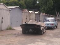 «Український спорткар»: у покинутому гаражі знайшли гоночний «Запорожець» (відео)