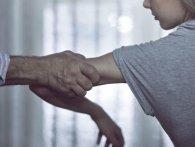 Одесит ґвалтував 8-річну доньку цивільної дружини, поки та лікувалася від раку
