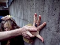 Напав із ножем і зґвалтував: на Чернігівщині піймали насильника 15-річної дівчинки