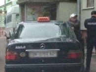 У Рівному таксист, «закинувшись» наркотою, пропонував копам 200 доларів хабара