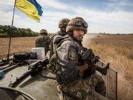#BottleCapChallenge: український військовий відкрив пляшку дулом зенітної установки (відео)