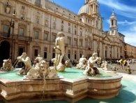 В Римі на пів тисячі євро оштрафували туриста, який зібрав монети в фонтані