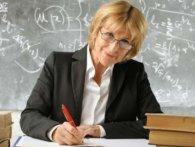 Зарплату вчителям можуть підвищити за рахунок інших бюджетників