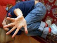 «Заштовхав у квартиру і роздяг»: у Києві педофіл напав на дитину в під'їзді