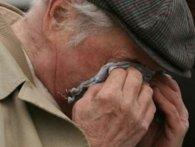 Б'є сильно по голові: у столиці жорстко орудує грабіжник пенсіонерів