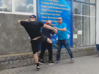 «Ти патріот, нах*й?»: у Бердичеві блогер-фанат «руського міра» побив ветерана АТО (відео)