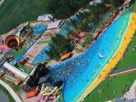 Від цунамі в аквапарку постраждали десятки людей
