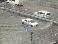 У Києві зафільмували водоплаваючий Porsche Cayenne (відео)