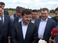 Зеленський відмовився від свого бюсту: «Це – жах!» (відео)