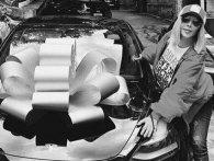 «Таємничий Валера» подарував Ірині Білик автомобіль Tesla (фото)