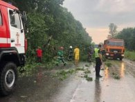 Негода в Україні знеструмила 200 населених пунктів