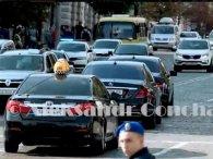 У кортежі Зеленського катається таксі (відео)