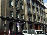У центрі Львова з балкона випала 14-річна дівчина