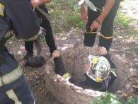 У Рівному двоє чоловіків впали в каналізацію (фото)