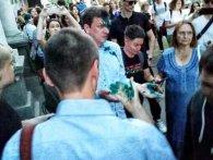 «Правий сектор» обілляв екс-нардепа зеленкою на «гей-тусівці» (фото)