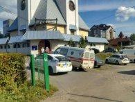 21-літня львів'янка намагалася перерізати вени у церкві. Подробиці НП