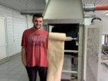 Український студент створив папір з опалого листя