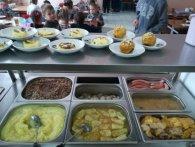 В Одесі діти масово потруїлися в шкільній їдальні – півсотні потерпілих